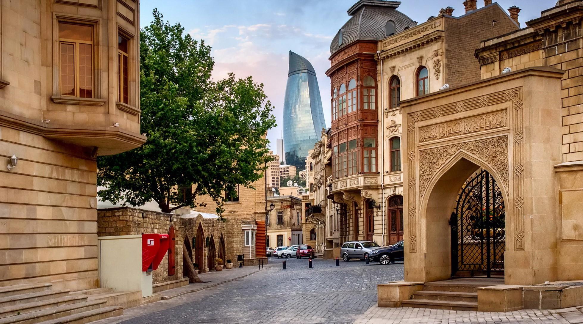 Нужна ли виза в Азербайджан? Подробный ответ