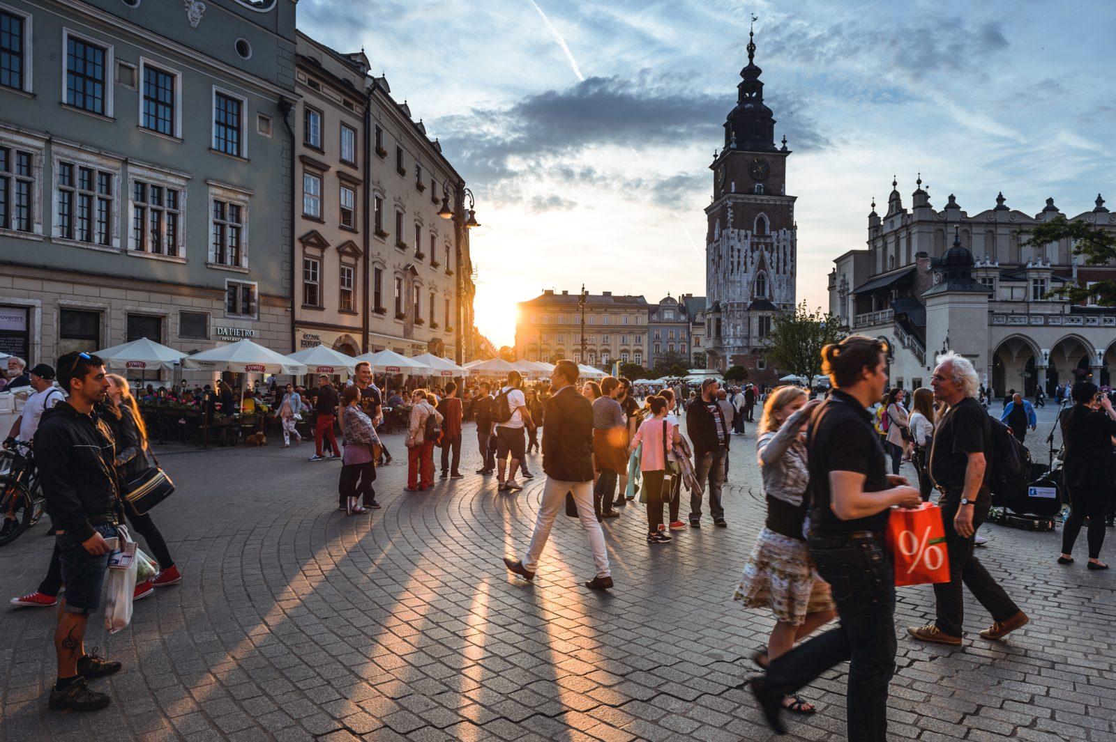 Виза для белорусов при поездке в Польшу за покупками