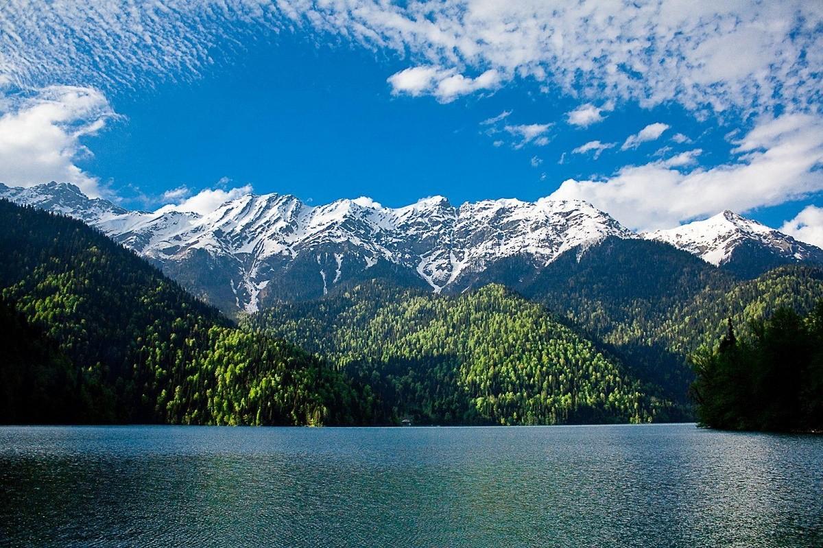 Путешествие в Абхазию: нужна ли виза для россиян?